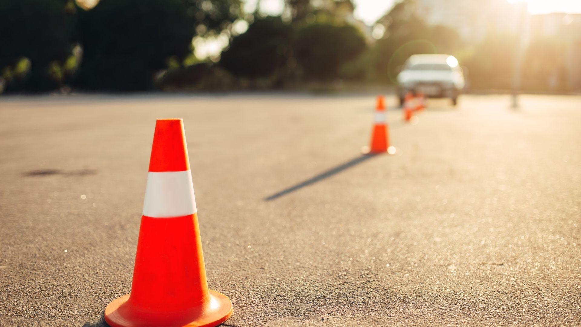 Kurs na prawo jazdy w formie zdalnej – sprawdź, co musisz wiedzieć